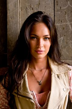 A picture collection of the actress and model Megan Fox. A picture collection of the actress and model Megan Fox. - Celebrities, Girls - Check out: Sexy Pics of Megan Fox on Barnorama Megan Fox Sexy, Megan Fox Fotos, Estilo Megan Fox, Megan Fox Style, Megan Denise Fox, Megan Fox 2009, Megan Fox Young, Young Fox, Megan Fox Transformers