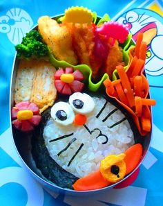 Doraemon bento. Yet again, a more simple bento. Only hard to do detail will be the nori cuts for the face.