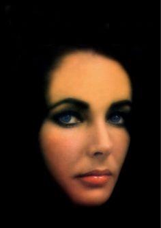 Elizabeth Taylor.... violet eyes....