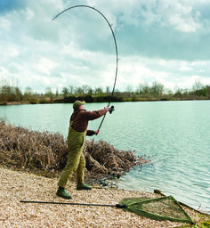 Angler's Mail magazine always help you catch more fish. This guide to casting tips for carp anglers is all you need to know!