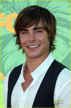 7 Most Famous Zac Efron Hairstyles – Cool Men's Hair Shaggy Haircuts For Boys, Teen Boy Haircuts, Haircuts For Men, Boy Shaggy Haircut, Mens Summer Hairstyles, Boys Long Hairstyles, Men's Hairstyles, Bangs Hairstyle, Natural Hairstyles