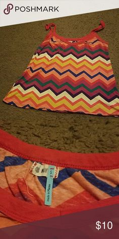 Old Navy chevron tank. Small. Old Navy chevron tank. Small. Multi color. Some light pilling. No other damage Old Navy Tops Tank Tops
