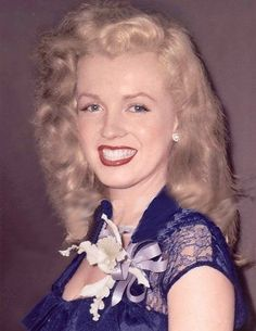 Marilyn at Rickett's Nightclub in Chicago during the Love Happy tour, July 1949.
