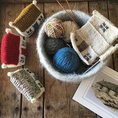croft house making. Crochet Yarn, Knitting Yarn, Baby Knitting, Knitting Patterns Free, Free Knitting, Crochet Patterns, Knitting Projects, Crochet Projects, Sewing Projects