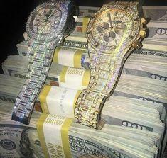 Pin de henrique saar em trap деньги, золото e символы. Money Pictures, Money Stacks, Billionaire Lifestyle, Start Ups, My Money, Money Fast, Cash Money, Trap, Logo Nasa