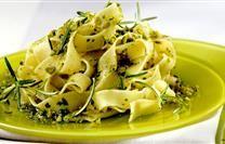 Pappardelle al Pesto al Pistacchi e Rosmarino