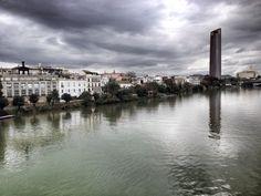 Sevilla, desde el puente de Triana