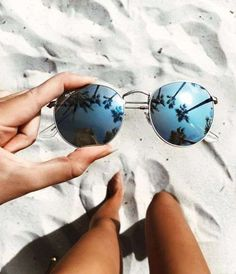 things i love sunglasses beach summer vacation reflection Summer Goals, Summer Of Love, Summer Beach, Style Summer, Summer Pictures, Beach Pictures, Thailand Pictures, Beach Foto, Poses Photo