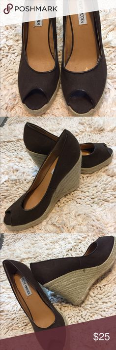 Steve Madden Brown Wedge Heels Steve Madden Brown Wedge Heels. Size 6 1/2 Wonderful Shoes but barely worn. Inside need where top of the foot goes I had pads in them have taken them out so residue but otherwise in perfect condition Steve Madden Shoes Wedges
