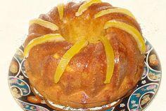 Κέικ περγαμόντο. Ένα σιροπιαστό κέικ με άρωμα περγαμόντο! Loaf Recipes, Cake Recipes, Sweet Loaf Recipe, Greek Sweets, Desert Recipes, Confectionery, Sweet Tooth, Pancakes, Deserts