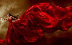 Risultati immagini per red fashion