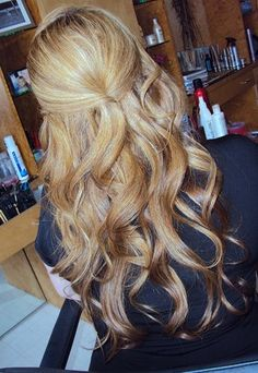 Love the curls..if only my hair could hold