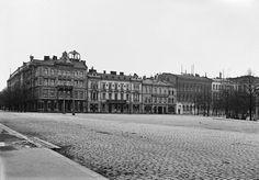 Läntisen Heikinkadun eli nykyisen Mannerheimintien eteläpää 1920. Silloin kadun keskellä oli vielä lehmuskuja. Mannerheimintien alku nyt Bulevardin ja Lönnrotinkadun väliltä. Neljäs talo vasemmalta on entinen ns. Uuden Suomen talo.