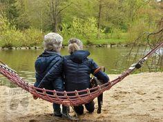 What Is Dementia, Dementia Symptoms, Menopause Symptoms, Dementia Care, Parents Vieillissants, Aging Parents, Body Combat, Alzheimers, Caregiver