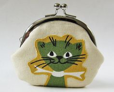 Cat coin purse! Because I'm going to be a total cat lady someday.