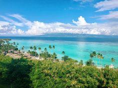 [Polynésie française] Une excellente nouvelle : la Polynésie française a annoncé la réouverture de ses frontières aux touristes le 15 Juillet prochain ! Il existe cependant des conditions d'entrée à respecter et notamment un test COVID-19 à effectuer dans les 72h avant le départ.  Alors à vous les lagons turquoise aux poissons multicolores, les plages de sable fin, les volcans couverts de végétation luxuriante, et les cocktails au bord de la piscine. Quoi de mieux après le confinement ? … Nature Images, Nature Photos, Places To Travel, Places To See, Travel Destinations, Mountainous Terrain, Cruise Excursions, Paradise Found, French Polynesia