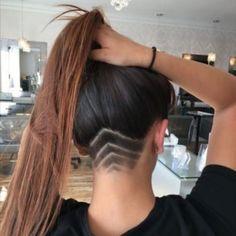 Undercut Curly Hair, Undercut Hair Designs, Undercut Hairstyles Women, Shaved Hairstyles, Long Hair With Undercut, Girl Undercut Design, Undercut Girl, Pompadour Hair, Shaved Undercut