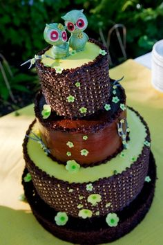 Owls wedding cake, I love this! (I want this for my 21st birthday!) Please and thank you!