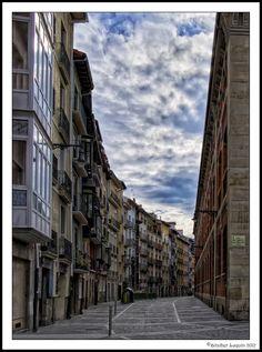 Calle Nueva, Pamplona | Más datos y fotos de la calle Nueva en http://www.callesdepamplona.es/casco-viejo/calle-nueva-pamplona.htm
