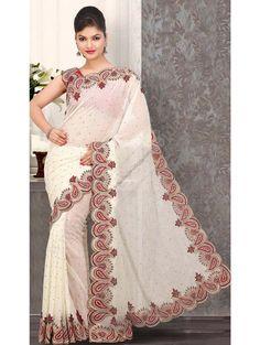 Молочное свадебное индийское сари из шифона, украшенное вышивкой скрученной шёлковой нитью, бусинками, пайетками и стразами