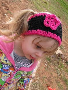 My free pattern for toddler girl's Ear Warmer. Too cute! I hope you enjoy!!