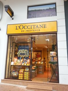 See 3 photos from 217 visitors to Kifissia shopping area. Shop Display Stands, Shop Window Displays, Bakery Shop Design, L'occitane En Provence, Perfume Display, Cosmetic Design, Shop Front Design, Super Healthy Recipes, Shop Plans