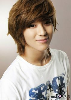 SHINee's Taemin: he is a beautiful person with a beautiful personality. I have seen him grow right in front of me from a 16 year old kid who just wanted to dance to the amazing performer he is now. I will always support you Onew Jonghyun, Lee Taemin, Minho, Korean Men Hairstyle, Korean Hairstyles, Short Hairstyle, Hairstyle Ideas, Shinee Debut, Choi Min Ho