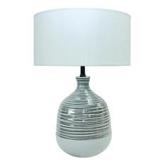 Laurie Lumière. Extrait de collection BLANC DÉLICAT. Lampe à poser pied céramique strié gris et fond blanc, abat-jour coton blanc.
