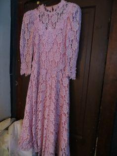 Gorgeous Vintage Cachet Bari Protas Pink Chantilly Lace Dress