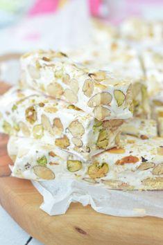 Zelf nougat maken met pistache noten en amandelen