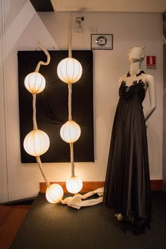 Luminárias de Adriana Yazbek e Vestido Samuel Cirnansck
