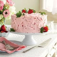 Strawberry-Lemonade Layer Cake - Spring Cakes in Bloom - Southernliving. Recipe: Strawberry-Lemonade Layer Cake You can assemble Strawberry-Lemonade Layer Cake up to two days ahead Strawberry Lemonade Cake, Strawberry Dessert Recipes, Strawberry Frosting, Strawberry Cakes, Strawberry Shortcake, Raspberry Buttercream, Spring Desserts, Köstliche Desserts, Easter Desserts