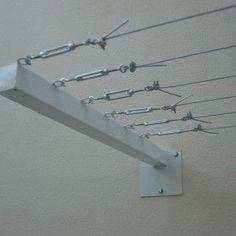 Una forma muy segura de tensar las cuerdas para colgar la ropa. #PiaOrganiza.es #PiaSweetHome.com