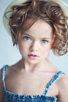 bullesdeparis:  Blue eyed girl