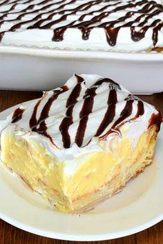 Cream Puff Cake - Weekend Potluck 421 Cream Puff Dessert, Cream Puff Cakes, Cream Puff Cake Recipe Easy, Eclairs, No Bake Eclair Cake, Cake Recipes, Dessert Recipes, Dessert Ideas, Easter Recipes