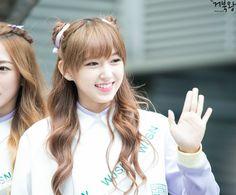 WJSN ♡ Cheng XiaoXiao 程潇潇 성소 청샤오샤오 with Mandu hairstyle 160606 #우주소녀 #만두머리 #캣치미 #바비인형