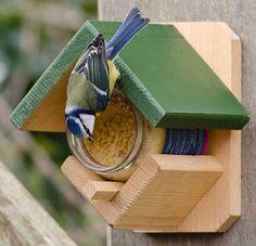 CJ Wildlife 983331215 Gartenvögel-Erdnussbutterhaus aus FSC-Holz mit Erdnussbutter - empfohlen vom NABU und dem LBV: Amazon.de: Garten