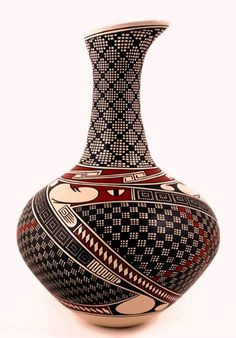 Hector Gallegos urn with a Quetzalcoatl serpent and Native American feather symbol Pottery Painting Designs, Pottery Designs, Native American Pottery, Native American Art, Ceramic Painting, Ceramic Art, Ceramic Pottery, Pottery Art, Carillons Diy