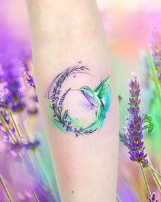 Atemberaubende Aquarell-Tattoos von Adrian Bascur – Aquarell Kolibri Tattoo © … Stunning watercolor tattoos by Adrian Bascur – watercolor hummingbird tattoo © tattooist Adrian Bascur 💕🐤🌺💕🐤🌺💕🐤🌺💕 – Pretty Tattoos, Love Tattoos, Beautiful Tattoos, Body Art Tattoos, New Tattoos, Small Tattoos, Tattoos For Women, Tatoos, Awesome Tattoos