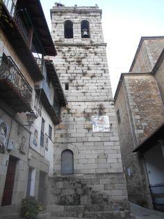Torre de la Iglesia de Nuestra Señora de las Nievas.Se ve claramente la fábrica de tipo militar