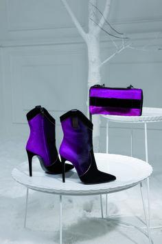LORIBLU /Fuchsia shades on calf hair bootie  bag / Elisabetta Gregoraci / F.W.2014-2015. Available at Loriblu boutiques and LORIBLU.com #shooting #totallook #shoe #bag #fuchsia #nuances #calfhair #FW2015 #LORIBLU