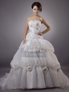 ウェディングドレス 軽やかなオーガンジーの優美感を表現して、格調高い輝きを放つ H8lblb2125