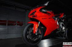 Ducati 848 EVO Superbike! FAST! Ducati 848 Evo, Just For Men, Man Stuff, Airplanes, Boats, Automobile, Motorcycles, Amazing, Car