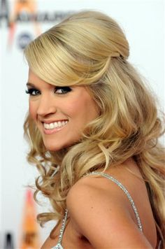 Carrie Underwood- love her and love her hair and make-up- soo beautiful! Half Updo Hairstyles, My Hairstyle, Pretty Hairstyles, Wedding Hairstyles, Bridesmaid Hairstyles, Amazing Hairstyles, Formal Hairstyles, Black Hairstyles, Updos
