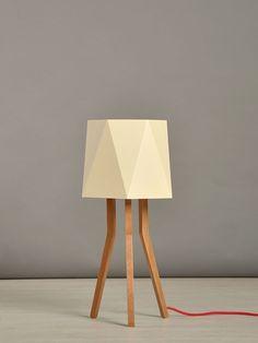 Lámpara de mesa Josefina - The Sartori Tripod Lamp, Table Lamp, Lighting, Home Decor, Minimalist Style, Natural Wood, Mesas, Display, Colors