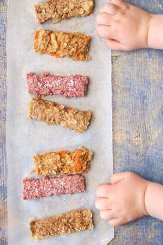 Three tasty porridge fingers recipes. Raspberry & Coconut, Apple Pie and Carrot cake. A perfect breakfast for baby led weaning babies.