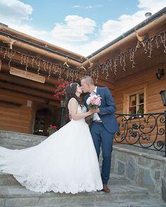 "Páči sa mi to: 50, komentáre: 1 – Amy Klusová Sivčáková - Foto (@amyklusovasivcakovafotografie) na Instagrame: ""Prvá svadobná S&Ľ 😊 #love #nikon #nikond750 #d750 #photo #photographer #photoshoot #couple #rustic…"""