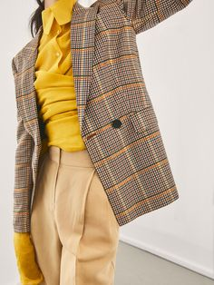 Spring Summer 2018 Women´s LIMITED EDITION CHECKED SUIT BLAZER at Massimo Dutti for 179. Effortless elegance!