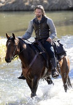 Hell On Wheels Interview: Anson Mount Talks Season 3, Shooting by ...