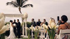 Hawaii - chic outdoor ceremony.